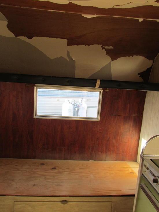 Story of the $200 Vintage Trailer. Ceiling Needs to Be Sanded, Sealed and Painted