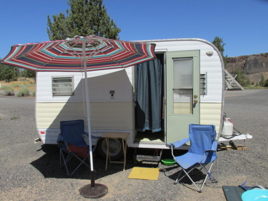 How To Paint A Vintage Travel Trailer